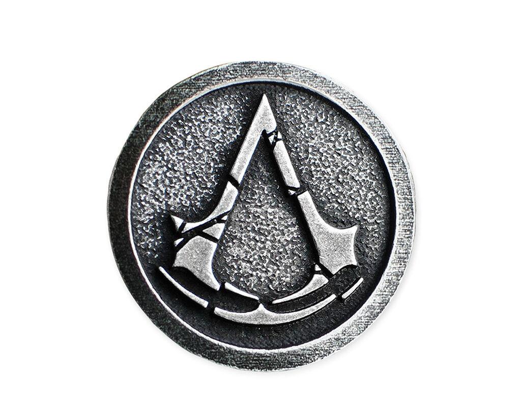 3D Enamel Assassins Creed Pin / Brooch - Props & Replicas